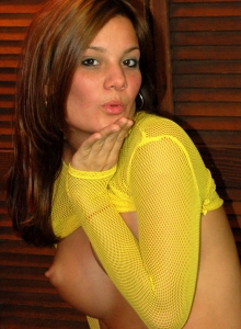 Super Cute Katie Teases In A Very Bright Yellow Fishnet Top - Picture 12
